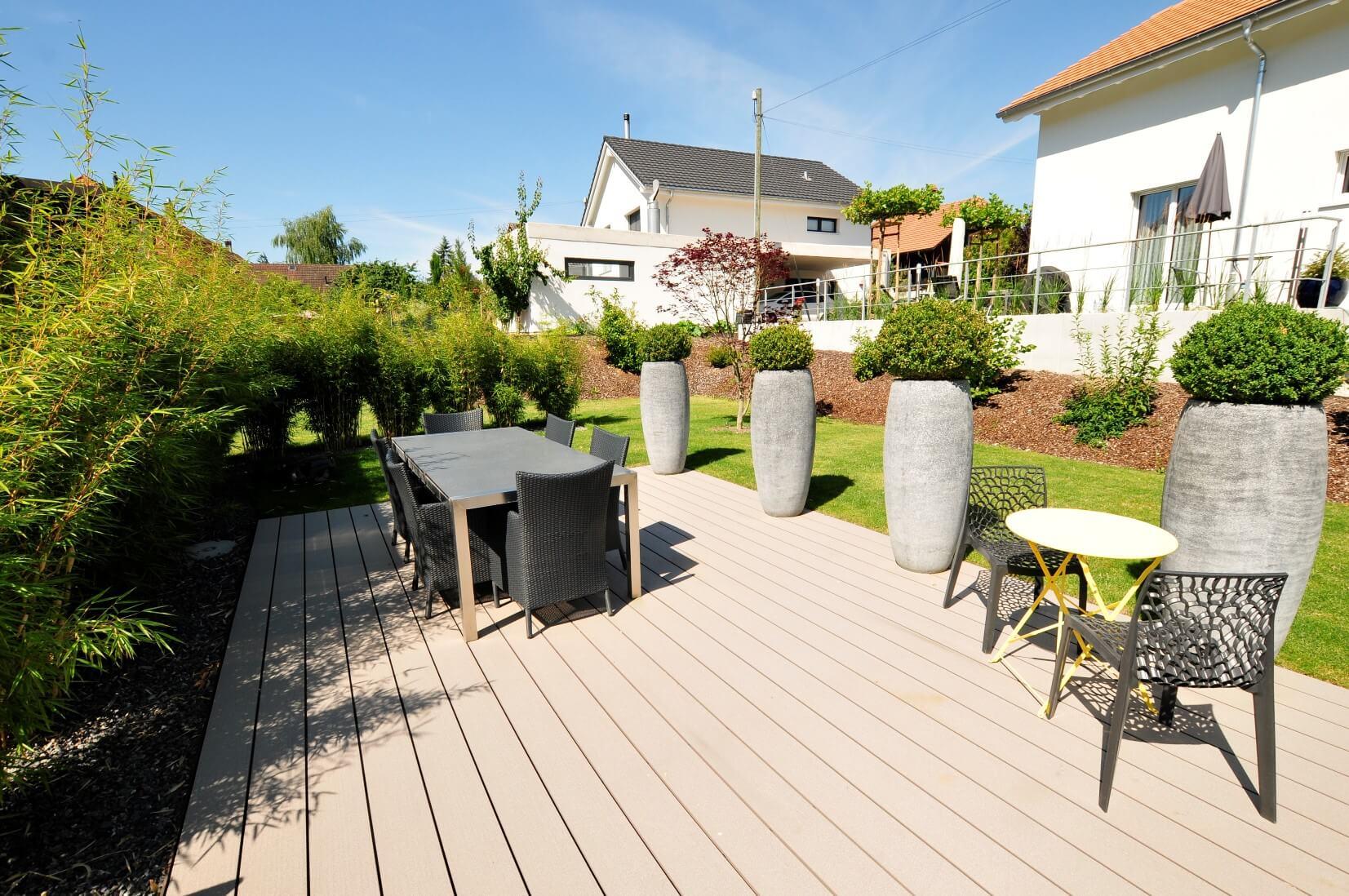 paysagiste aménagement terrasse en bois pots de fleurs bambou verdure elligue mickael (6)