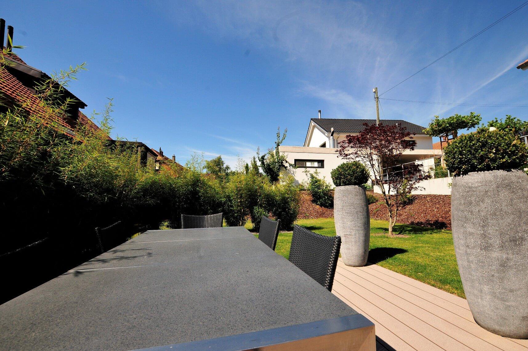paysagiste aménagement terrasse en bois pots de fleurs bambou verdure elligue mickael (9)