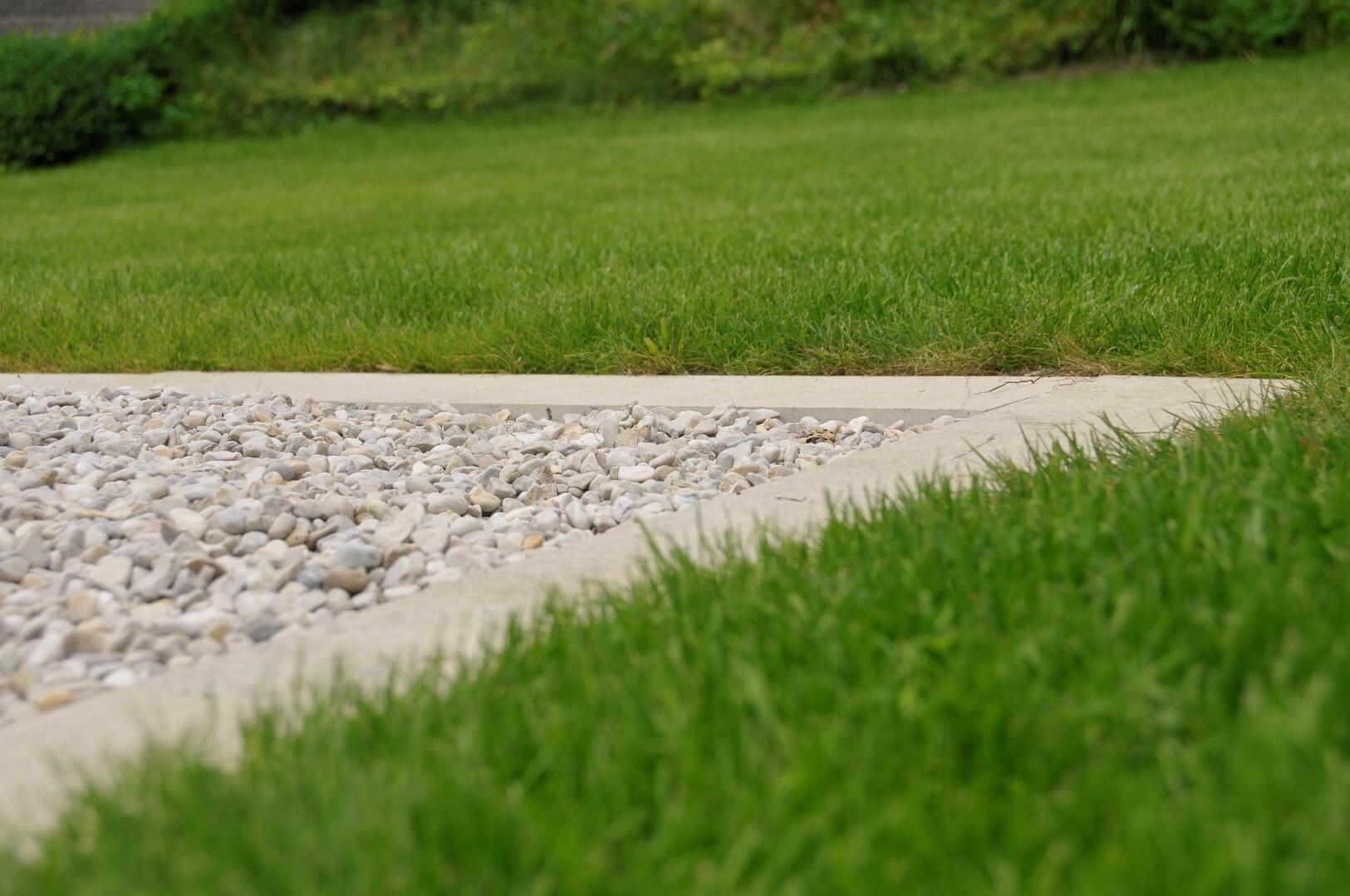 paysagiste tramelan villa terrasse jardin mur en pierres calcaires aellig paysages (1)