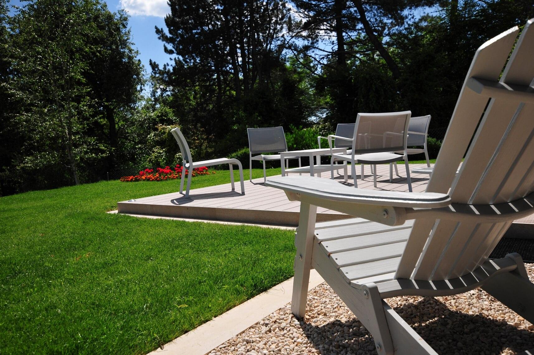 paysagiste tramelan villa terrasse jardin mur en pierres calcaires aellig paysages (12)