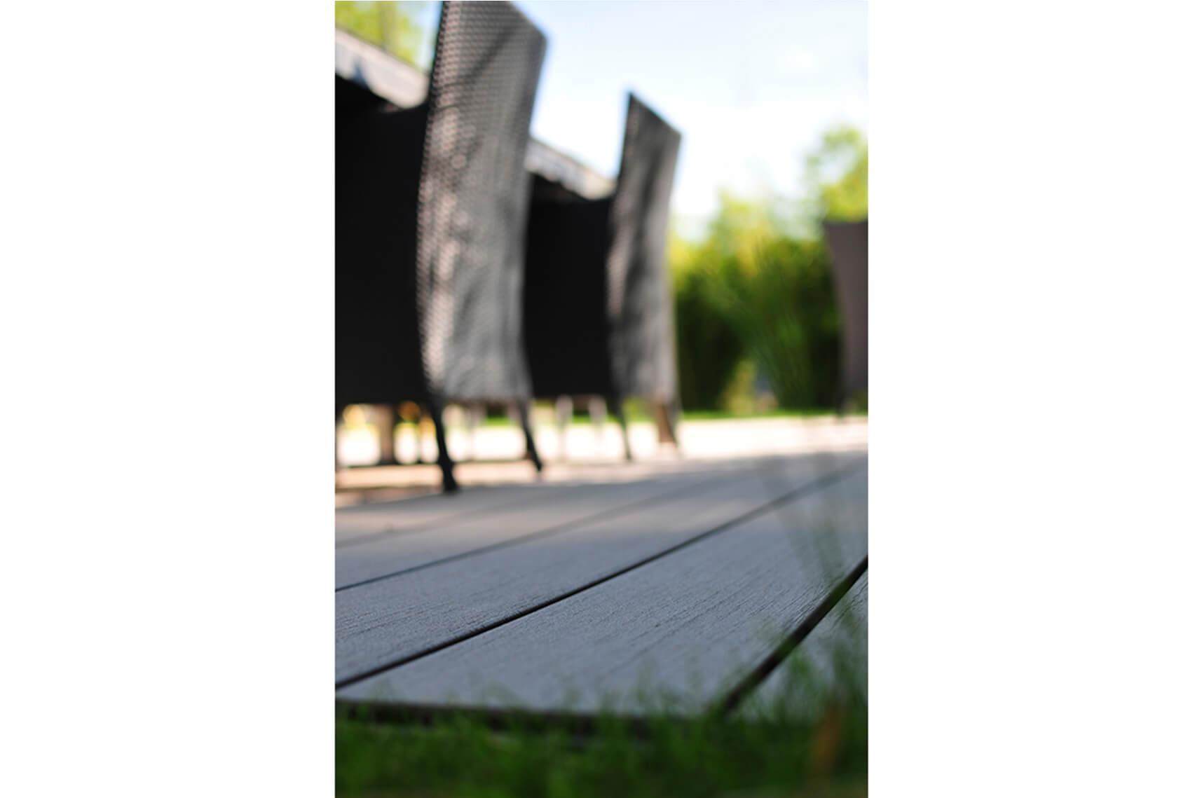 paysagiste aménagement terrasse en bois pots de fleurs bambou verdure elligue mickael (2)