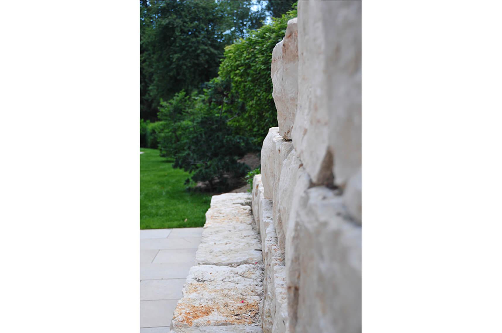 paysagiste tramelan villa terrasse jardin mur en pierres calcaires aellig paysages (7)